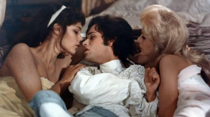 Casanova con 17 fidanzate Image